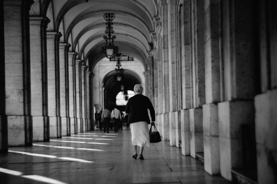 Foto Lissabon, alte Frau, Fotograf, Kathrin Stahl
